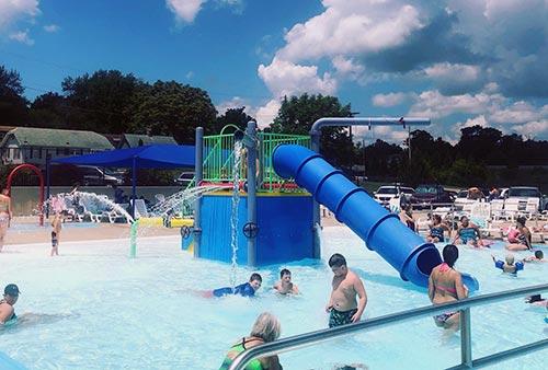 Aquatic Center - Pool with Slide - Hannibal, MO