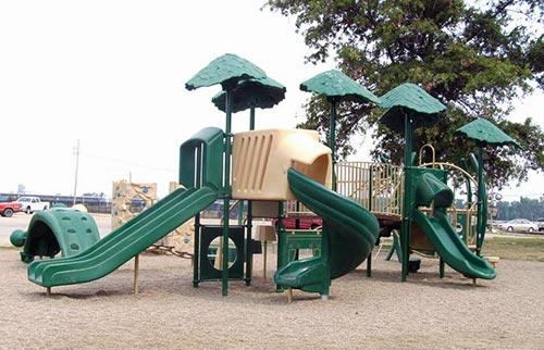 Kiwanis Park Playground - Hannibal, MO