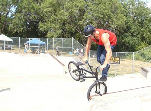 Ramp Park - Bike Tricks - Hannibal, MO